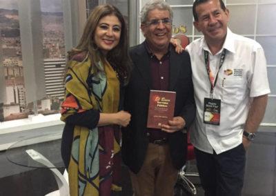 Los escritores Pilar Velez y Jesus Neira,