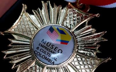 Medalla de reconocimiento a los talentos que trabajan en Colombia