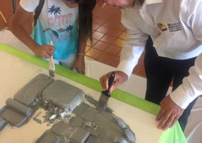 Reconocimiento de 10 años al trabajo del grupo Puerta de Oro de Colombia en el Museo Histórico de Miami.
