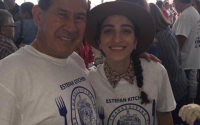 Los directivos del Museo apoyando las obras sociales que realiza la familia Estefan.