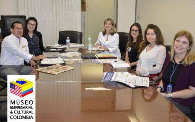 Reunión de trabajo en la Office community Dade County,